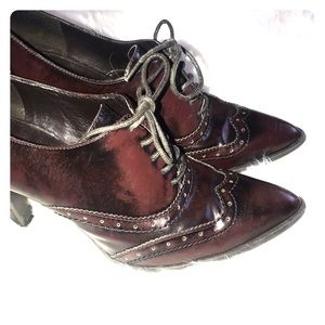 Marc Fisher size 8.5 oxford heel boots